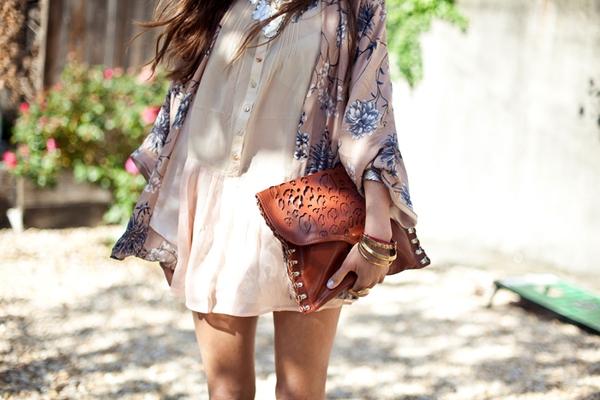 Áo khoác kimono - Xu hướng áo bay bổng, nhẹ bẫng của mùa hè 26