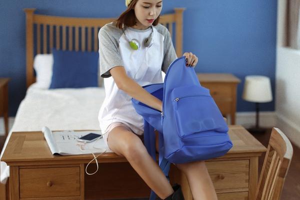 10 item không-thể-thiếu trong tủ của một nàng teen girl 30