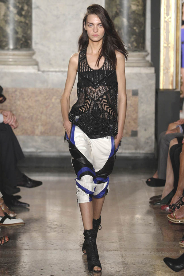 9 xu hướng mang tính ứng dụng cao tại Milan Fashion Week 30
