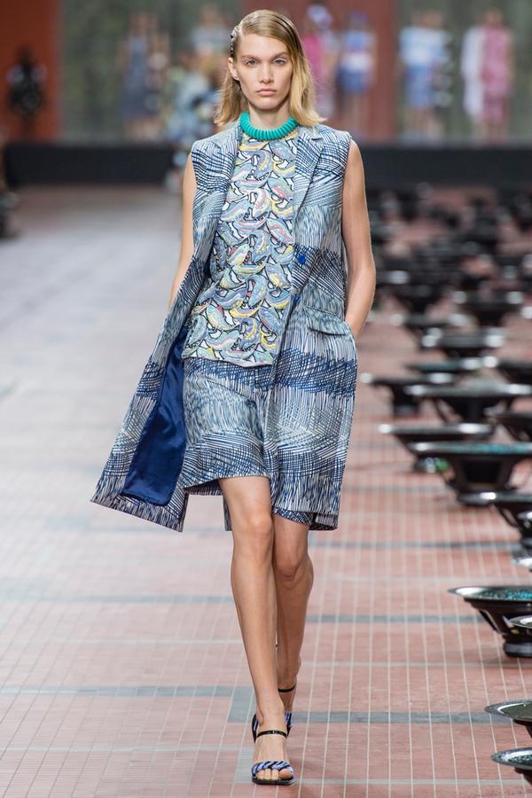 Loạt xu hướng xưa cũ quay trở lại tại Paris Fashion Week 10