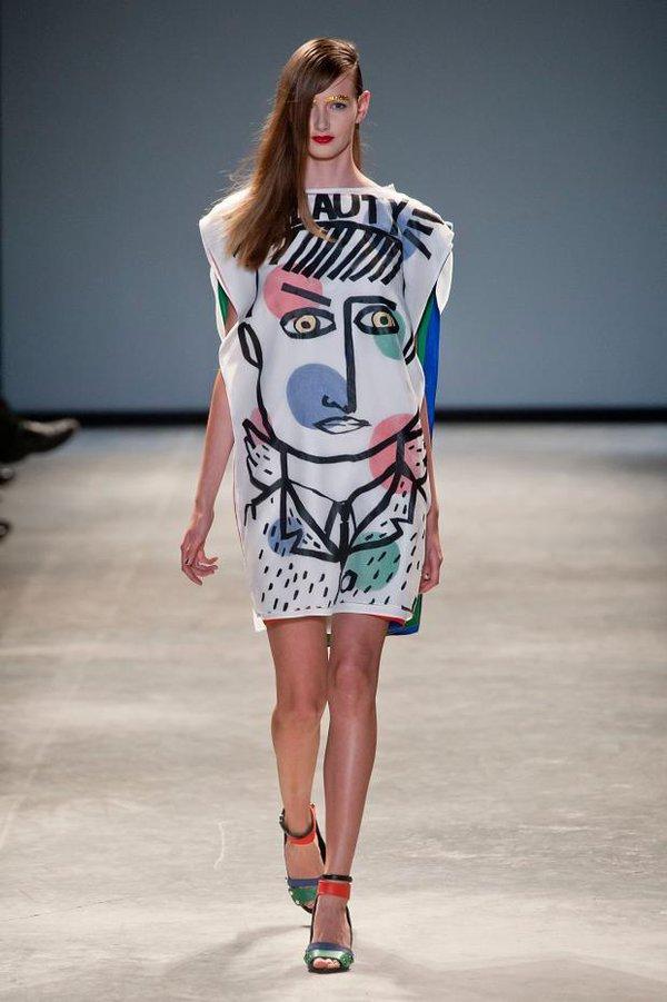Loạt xu hướng xưa cũ quay trở lại tại Paris Fashion Week 11