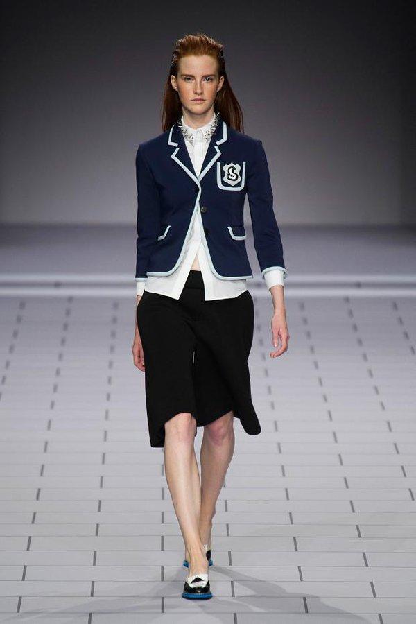 Loạt xu hướng xưa cũ quay trở lại tại Paris Fashion Week 25