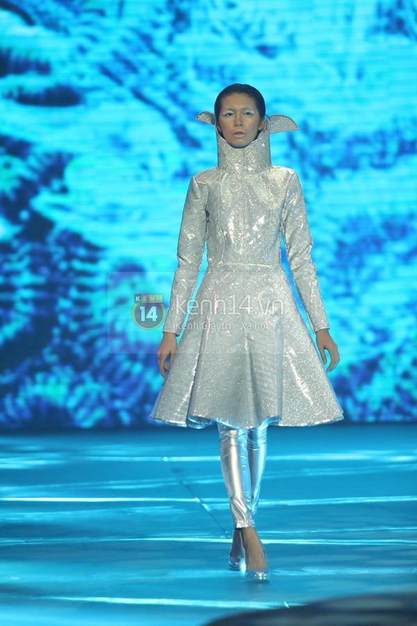 Hà Hồ, Thanh Hằng & NTK Công Trí cùng mặc chung 1 chiếc váy  9