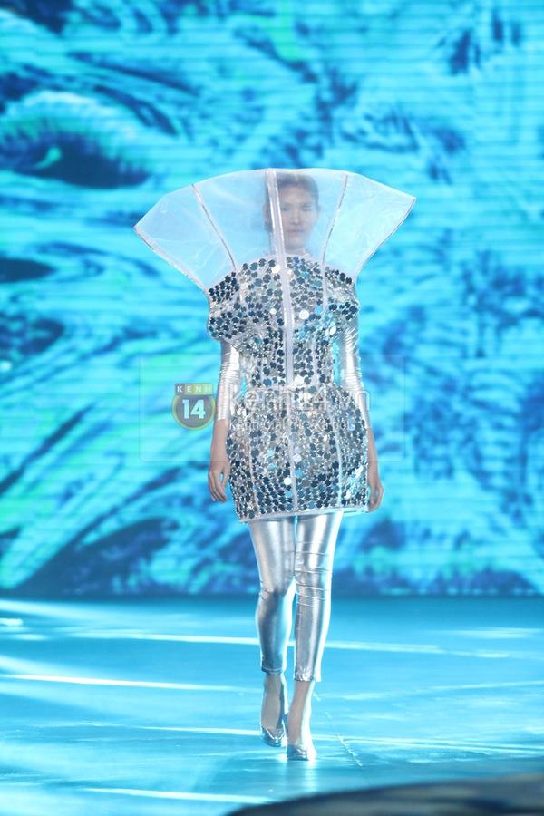 Hà Hồ, Thanh Hằng & NTK Công Trí cùng mặc chung 1 chiếc váy  15