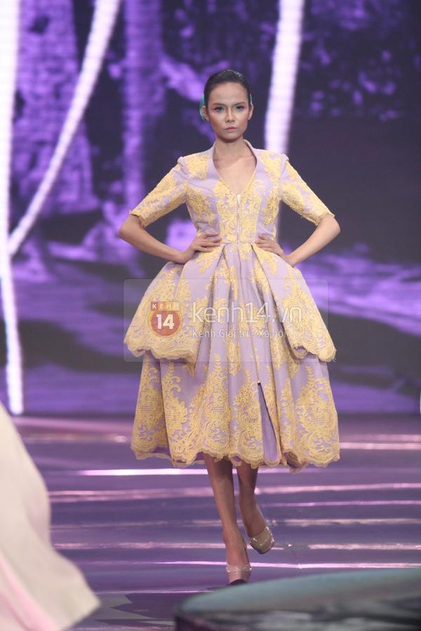 Hà Hồ, Thanh Hằng & NTK Công Trí cùng mặc chung 1 chiếc váy  22