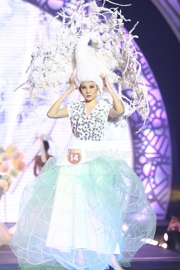 Hà Hồ, Thanh Hằng & NTK Công Trí cùng mặc chung 1 chiếc váy  31