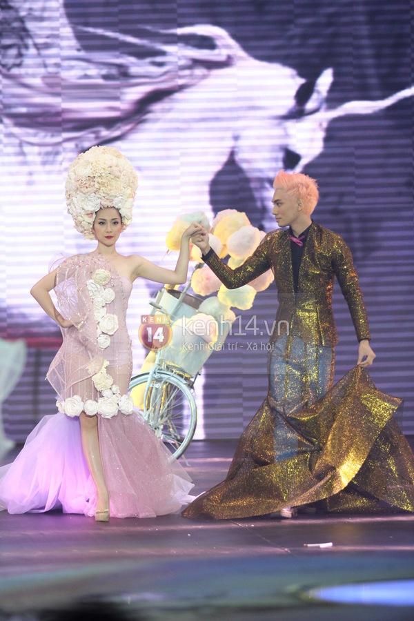 Hà Hồ, Thanh Hằng & NTK Công Trí cùng mặc chung 1 chiếc váy  34