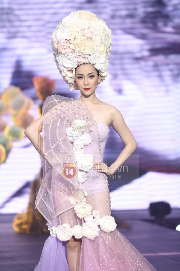 Hà Hồ, Thanh Hằng & NTK Công Trí cùng mặc chung 1 chiếc váy  35