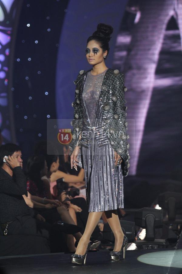 Hà Hồ, Thanh Hằng & NTK Công Trí cùng mặc chung 1 chiếc váy  57