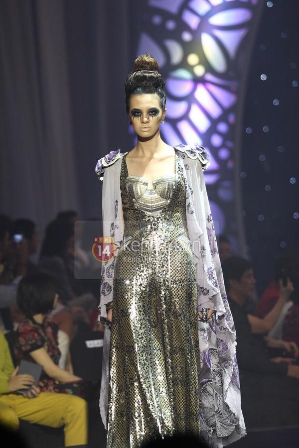 Hà Hồ, Thanh Hằng & NTK Công Trí cùng mặc chung 1 chiếc váy  59
