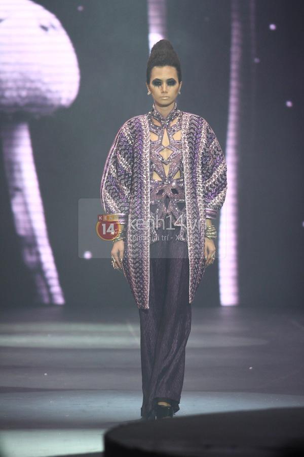 Hà Hồ, Thanh Hằng & NTK Công Trí cùng mặc chung 1 chiếc váy  62