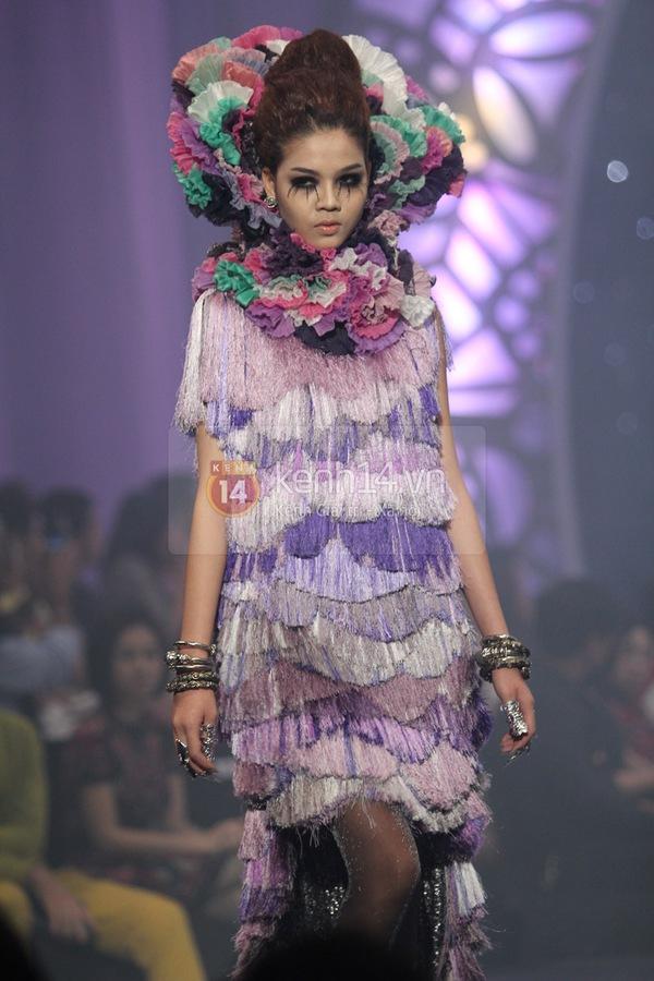 Hà Hồ, Thanh Hằng & NTK Công Trí cùng mặc chung 1 chiếc váy  67