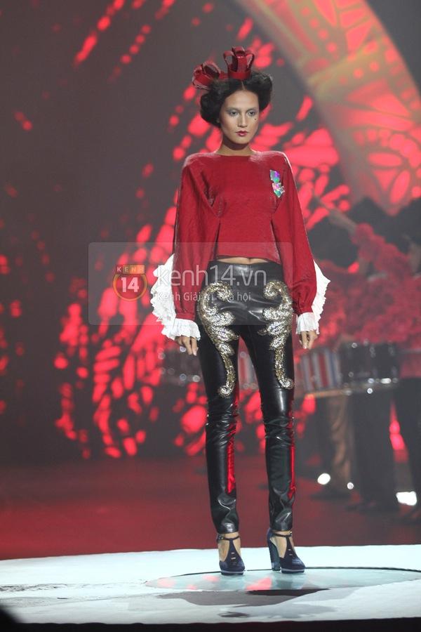 Hà Hồ, Thanh Hằng & NTK Công Trí cùng mặc chung 1 chiếc váy  41