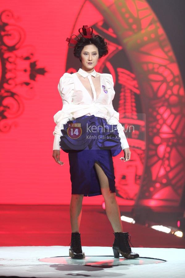 Hà Hồ, Thanh Hằng & NTK Công Trí cùng mặc chung 1 chiếc váy  46