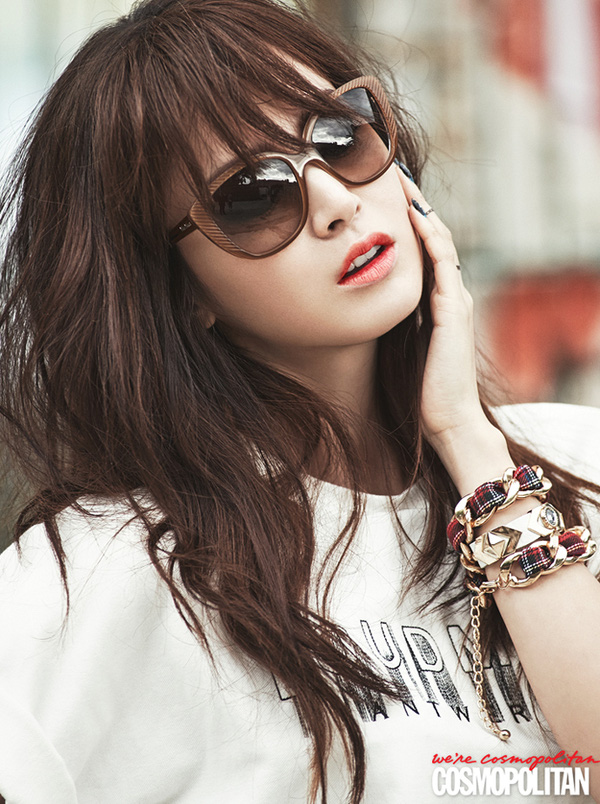 Kim Tae Hee, Tiffany & Lee Hyori cùng khoe dáng trên Cosmopolitan 6