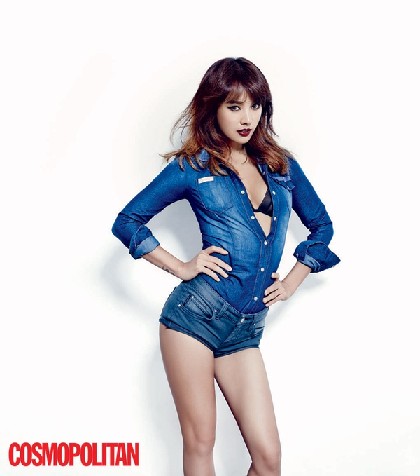 Kim Tae Hee, Tiffany & Lee Hyori cùng khoe dáng trên Cosmopolitan 12