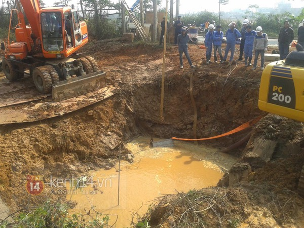 Hà Nội: Đường ống sông Đà vỡ lần thứ 10, hơn 70.000 hộ dân mất nước 1