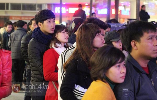 """Hàng nghìn cặp đôi đi xem phim tại """"rạp ngoài trời"""" trong ngày Valentine 7"""
