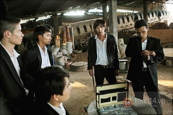 Mỹ nam Hàn bị đánh te tua trong phim Việt 2