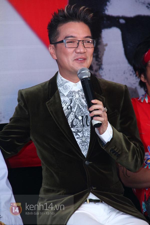 """Mr. Đàm khiến hot girl hóa """"Hiệp sỹ mù"""" 11"""