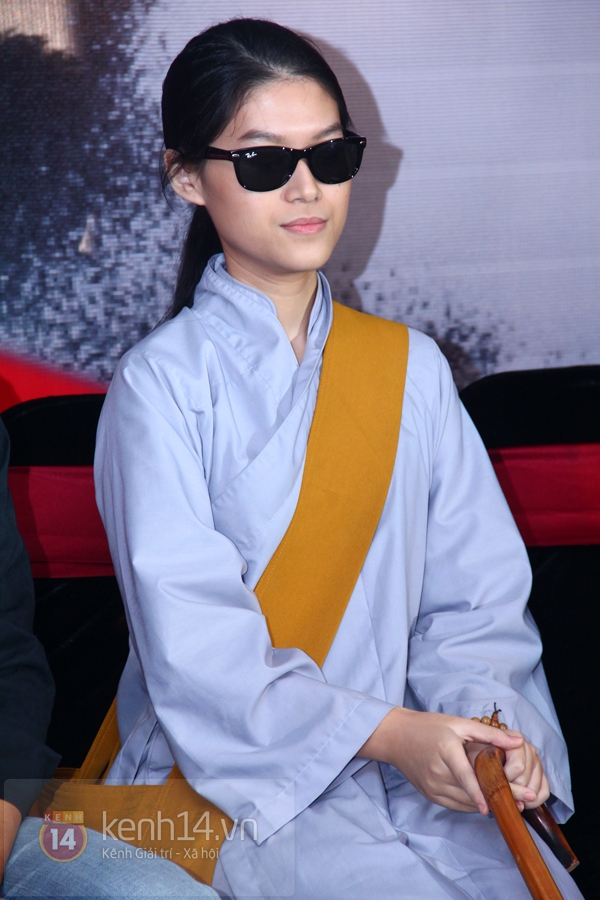 """Mr. Đàm khiến hot girl hóa """"Hiệp sỹ mù"""" 4"""
