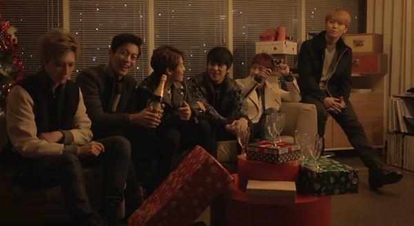 B2ST, 4Minute, A Pink, G.Na... quây quần trong MV Giáng sinh 1