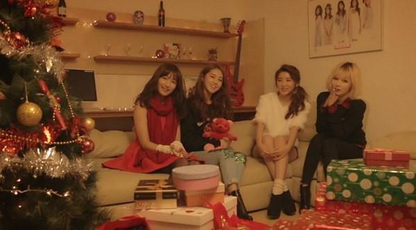 B2ST, 4Minute, A Pink, G.Na... quây quần trong MV Giáng sinh 3