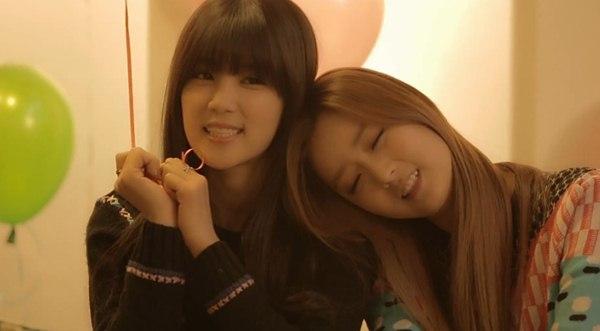B2ST, 4Minute, A Pink, G.Na... quây quần trong MV Giáng sinh 5