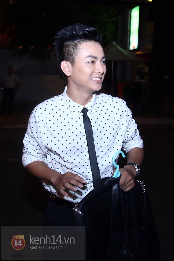 Mr. Đàm lẳng lặng đến cổ vũ đêm nhạc của Hoài Lâm 6
