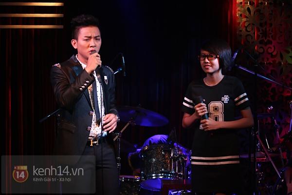Mr. Đàm lẳng lặng đến cổ vũ đêm nhạc của Hoài Lâm 13