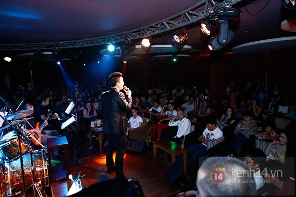 Mr. Đàm lẳng lặng đến cổ vũ đêm nhạc của Hoài Lâm 14