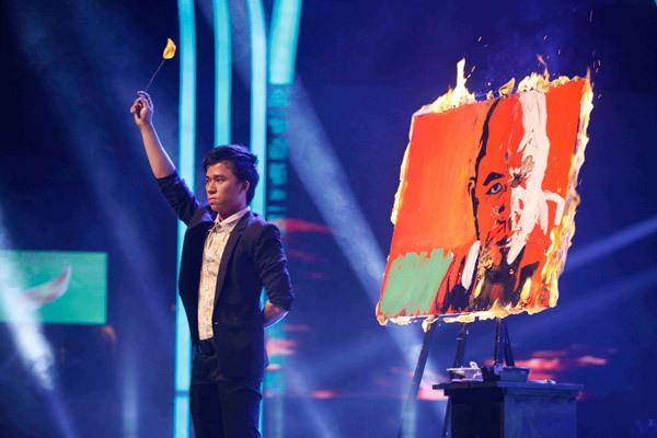 Thí sinh Got Talent đốt lửa vẽ chân dung Huy Tuấn 3