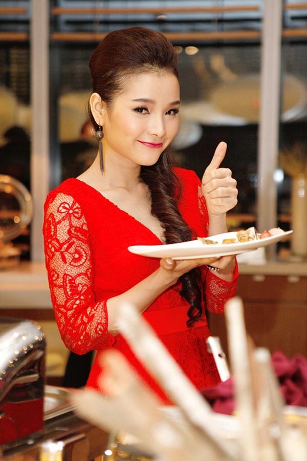 Cựu diễn viên Diễm Hương bất ngờ tái xuất 5