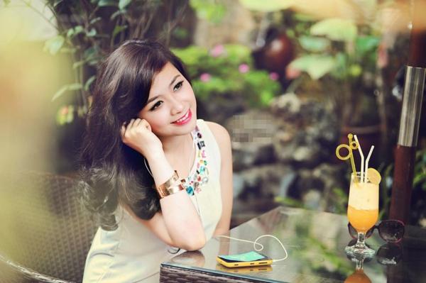 """Dương Hoàng Yến: Trở lại và... lợi hại hơn xưa tại """"The Voice Việt"""" 8"""