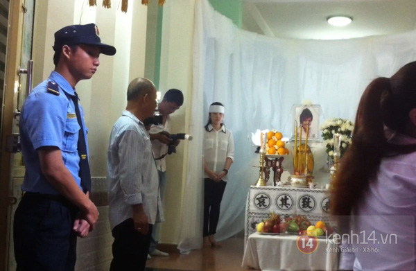 Các sao nghẹn ngào trong tang lễ toàn màu trắng của Wanbi Tuấn Anh 3