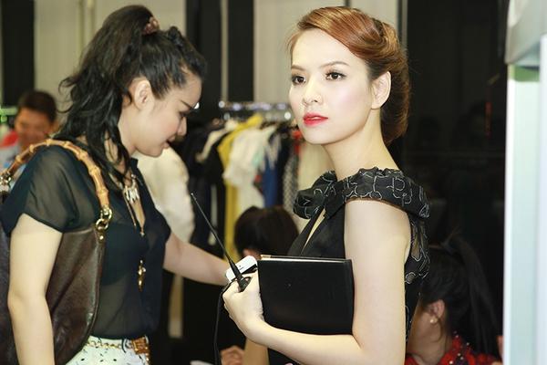 Những tài lẻ thú vị của mỹ nhân Việt 19