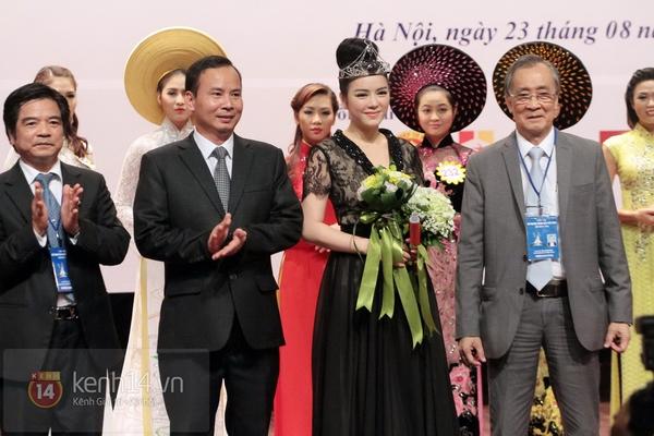 Lý Nhã Kỳ trở thành Đại sứ Nữ hoàng trang sức Việt Nam 4
