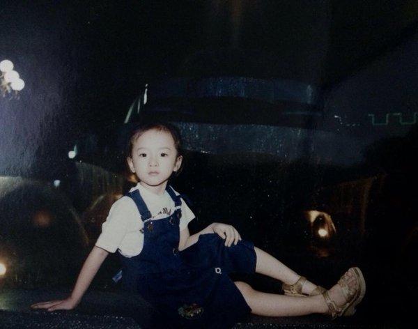 Angela Phương Trinh khoe ảnh sành điệu từ bé 3