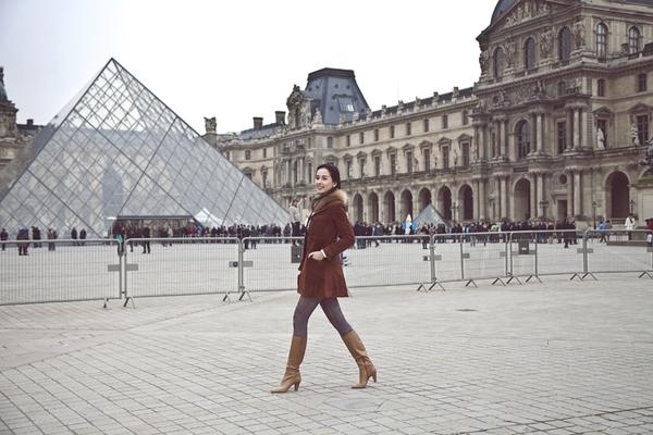 Mai Phương Thúy quyến rũ trên đường phố Paris 6