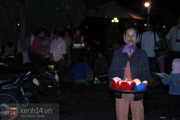 Rực rỡ đêm lễ hội thả đèn lồng ở Hội An 8