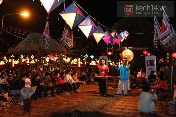 Rực rỡ đêm lễ hội thả đèn lồng ở Hội An 10