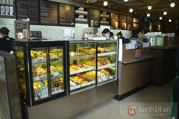"""Teen chán """"check in"""", Starbucks thứ 2 tại SG khai trương trong vắng vẻ 7"""