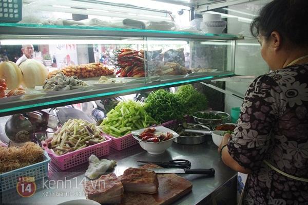 Sài Gòn: Đi ăn bún mắm thơm ngon ở quận 4 1