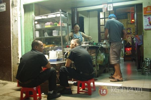 Khám phá hàng cơm tấm đêm độc và lạ ở Sài Gòn 1