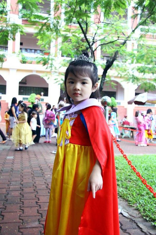 Những nhóc tì nhà sao Việt càng lớn càng xinh và chững chạc 24