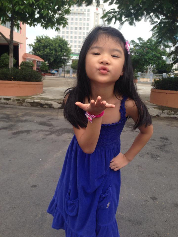 Những nhóc tì nhà sao Việt càng lớn càng xinh và chững chạc 28