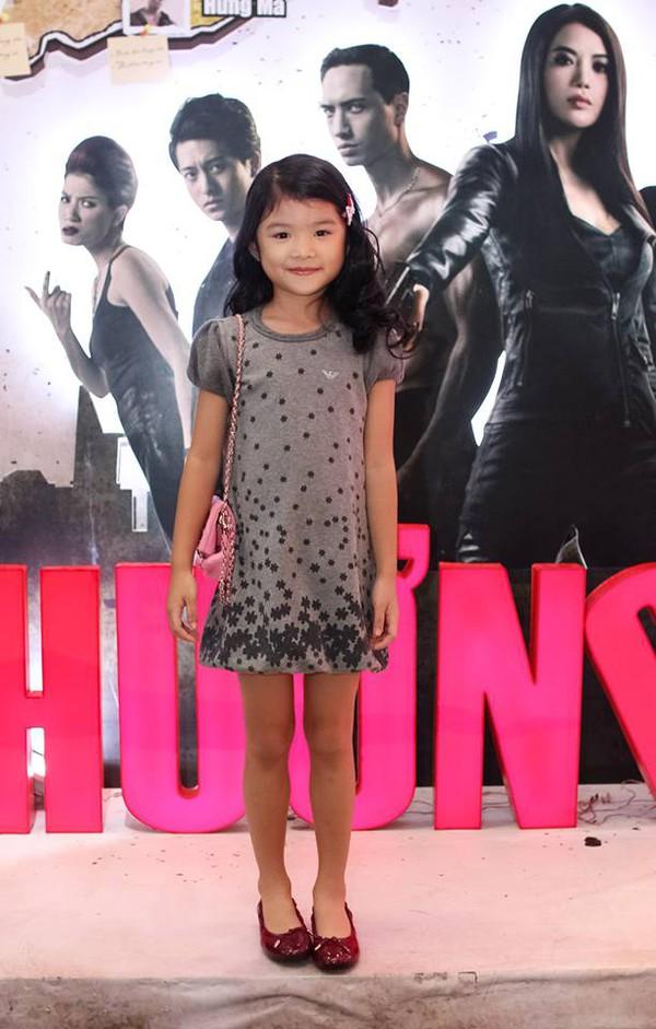 Những nhóc tì nhà sao Việt càng lớn càng xinh và chững chạc 27