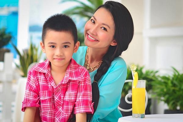 Những nhóc tì nhà sao Việt càng lớn càng xinh và chững chạc 12