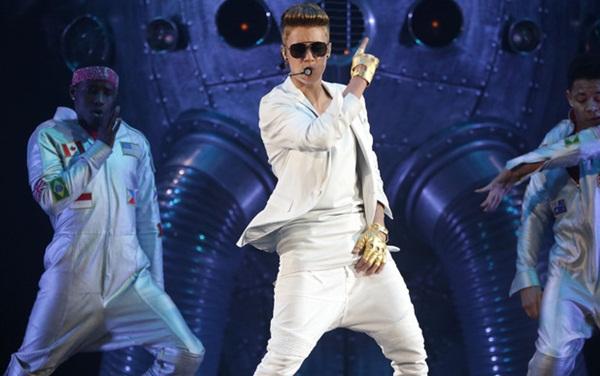 """Justin Bieber lại """"vô tư"""" đi trễ 2 tiếng đồng hồ 1"""