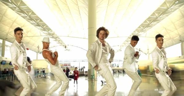 """Dàn sao """"khủng"""" đổ bộ loạt MV US-UK mới toanh 3"""